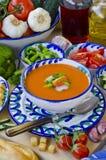 tła kuchni ostrości pomarańcz paella czerwoni ryżowi selekcyjni spanish wine gazpacho obraz royalty free