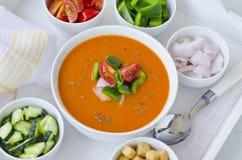 tła kuchni ostrości pomarańcz paella czerwoni ryżowi selekcyjni spanish wine gazpacho fotografia stock