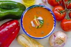 tła kuchni ostrości pomarańcz paella czerwoni ryżowi selekcyjni spanish wine gazpacho zdjęcia royalty free