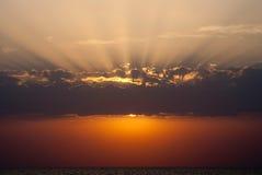 tła morze wysyła wschód słońca Obraz Royalty Free
