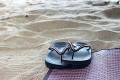 tła plaży trzepnięcia klap ilustracyjni odosobneni sandały ustawiający wektorowy biel Fotografia Royalty Free