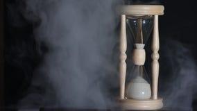 tła pojęcia odosobniony przedmiota czas biel Sylwetka Hourglass w dymnym zakończeniu zbiory