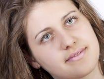 tła portreta uśmiechnięta biała kobieta Zdjęcia Stock