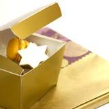 tła pudełkowatych ciastek teraźniejszy biel Zdjęcie Stock