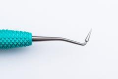 tła stomatologicznej ostrości selekcyjni narzędzia biały Zdjęcia Stock