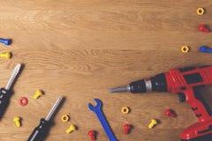 tła szablonu teksta zabawki Dzieciak zabawki narzędzia dla edukaci na drewnianym stole Odgórny widok Mieszkanie nieatutowy Odbitk Zdjęcia Stock