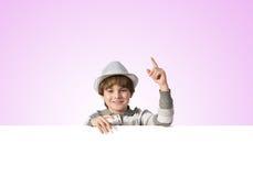 tła sztandaru chłopiec odizolowywająca nad biel Zdjęcia Royalty Free