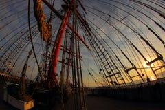 Tło - żeglowanie statku olinowanie Fotografia Stock