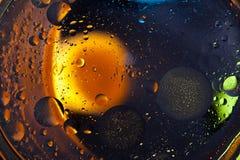 tło abstrakcyjna przestrzeni Wod krople różni colours Obraz Stock