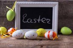 tło barwiący Easter jajek eps8 formata czerwony tulipanu wektor Obrazy Royalty Free
