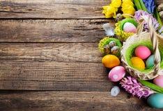 tło barwiący Easter jajek eps8 formata czerwony tulipanu wektor obraz royalty free