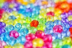 Tło barwioni koraliki, tło kwiaty robić barwioni koraliki Obrazy Stock