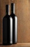 tło butelkuje drewnianego biały wino dwa Obrazy Stock
