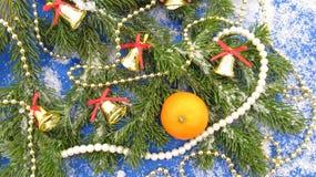 Tło dla nowego roku, boże narodzenia, tangerine i dekoracje, Fotografia Stock