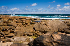 tło fala plażowe skaliste Obrazy Royalty Free