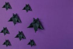 Tło Halloweenowi origami nietoperze Odgórny widok z kopii przestrzenią Zdjęcia Royalty Free