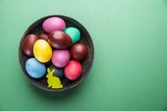 tło miski kaczki Wielkanoc kolor pana jajka na pani white Atrybut Wielkanocny świętowanie zdjęcie stock
