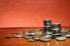 tło monety stos sterty białe Zdjęcie Royalty Free