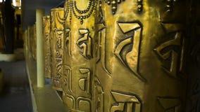 Tło o buddhism, modlitwa mleje w buddyjskim monasterze zbiory wideo