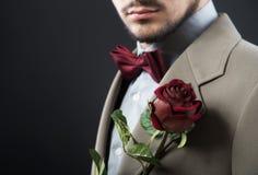 tło odizolowywający mężczyzna czerwieni róży biel obrazy stock