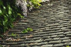Tło stare kamienne dachowe płytki Zdjęcie Royalty Free