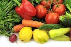 tło szczypiorków świeżego ogórkowy salat cebulkowy zastrzelił wiosen studio warzywa pomidora białych Obraz Stock