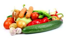 tło szczypiorków świeżego ogórkowy salat cebulkowy zastrzelił wiosen studio warzywa pomidora białych Obrazy Royalty Free
