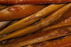 Tło - uwędzona ryba na kontuarze obrazy royalty free