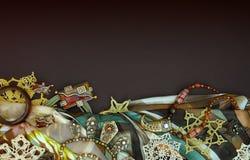 Tło z różnymi biżuteriami Zdjęcia Royalty Free