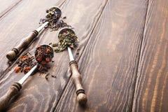 Tło z różnymi typ herbaciani liście Zdjęcie Royalty Free