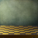 Tło z szachową rocznik deską Zdjęcia Royalty Free