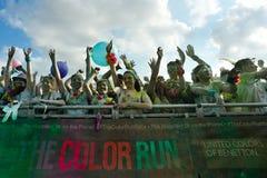 Tłoczy się ludzie przy koloru bieg Obraz Stock