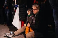 Tłoczy się słuchanie mowa w centrum Strasburg Zdjęcie Royalty Free