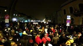 Tłum ludzie protestuje przeciw Rumuńskim skorumpowanym politykom zdjęcie wideo
