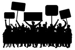 Tłum ludzie z sztandarami, sylwetka wektor Demonstracja, manifestacja, protest, strajk, rewolucja royalty ilustracja