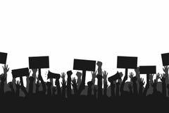 Tłum protestujących ludzie Sylwetki ludzie z sztandarami i megafonami Pojęcie rewolucja lub protest ilustracja wektor