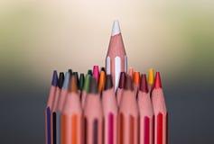 tłumy na stanowisko Makro- kolorów ołówki zdjęcia stock
