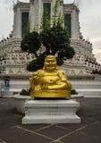 Tłusty buddah w Wata Arun świątyni Bangkok fotografia royalty free