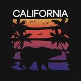 T恤杉印刷术的加利福尼亚口号与熊和棕榈树剪影 T恤杉设计的图表 向量 向量例证