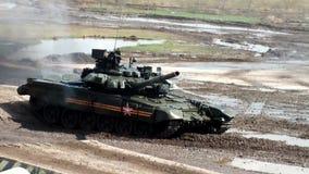 T-90A преодолевает стену танка акции видеоматериалы