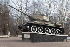 T-34坦克建立以纪念军事和辛苦沃洛格达州英雄主义在二战 库存照片