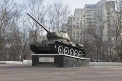 T-34坦克建立以纪念军事和辛苦沃洛格达州英雄主义在二战 免版税图库摄影