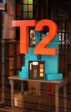 T2茶商店零售窗口显示 图库摄影