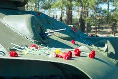 t-34著名路线枪在第二次世界大战期间的在军用设备的陈列在胜利天 图库摄影