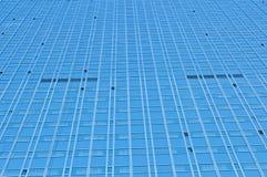 tätt exponeringsglas gjorde upp den moderna skyskrapan Royaltyfria Foton
