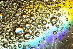 Tęcza Coloured Oliwi na Wodnym abstrakcie Obrazy Stock