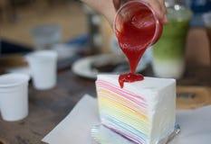 Tęcza tort na stole Obraz Royalty Free
