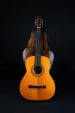 tła czarny dziewczyny gitara Obrazy Royalty Free