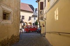 T2 de Volkswagen del vehículo del fuego Weissenkirchen-en-der-Wachau, Austria imagen de archivo libre de regalías