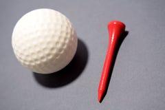 T di golf della sfera Fotografie Stock